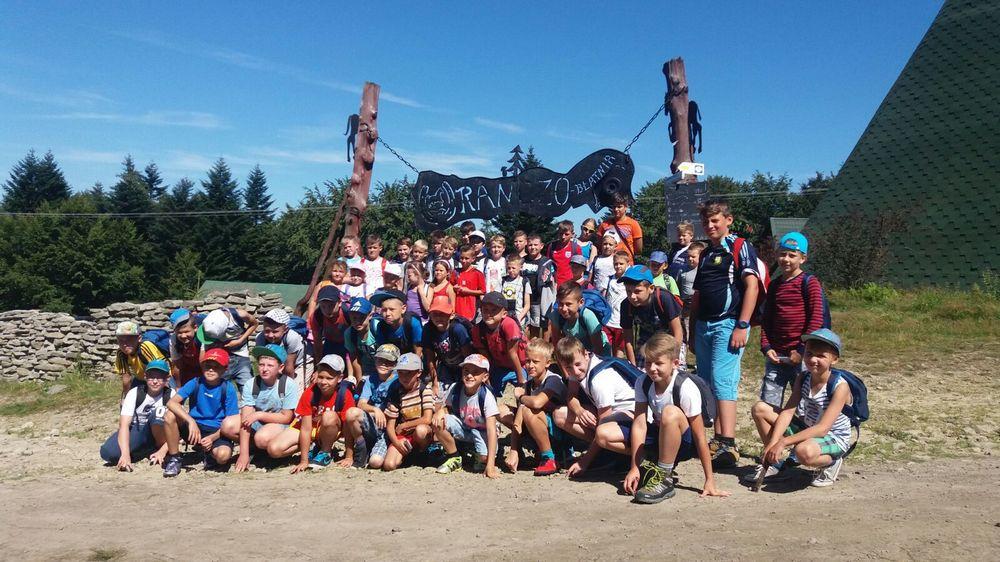Młodzi sportowcy na obozie w Górkach Wielkich