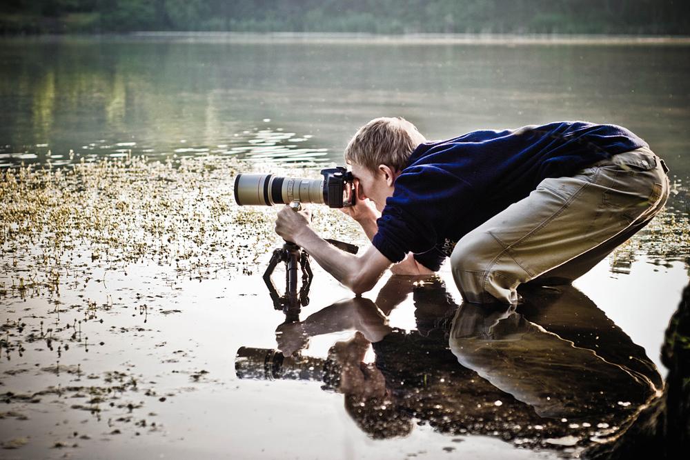 Leciutki ruch obiektywem czasami spłoszy zwierzaka - fotograf Tomasz Wieczorek