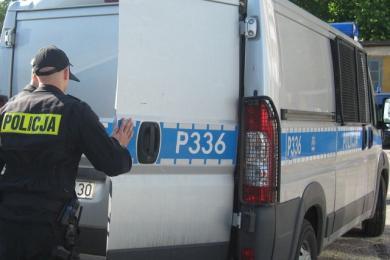 """Policjanci z """"piątki"""" zatrzymali złodziei na gorącym uczynku"""
