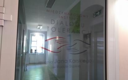 Instytut Karskiego zamknięty od tygodni