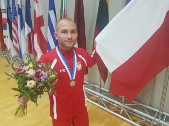 Adrian Hajduk wywalczył srebrny medal Wojskowych Mistrzostw Świata w zapasach w stylu wolnym!