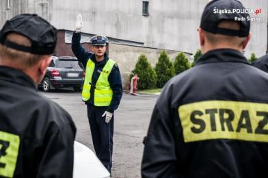 Policjanci z drogówki szkolili strażaków