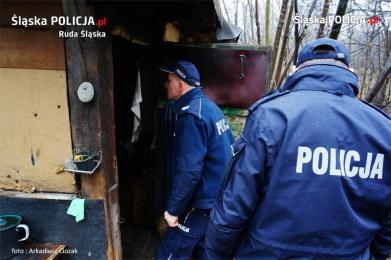 Policjanci kontrolują pustostny i apelują do mieszkańców