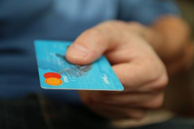 38 - latek z Rudy Śląskiej płacił za zakupy cudzą kartą