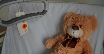 Ministerstwo Zdrowia: Zwolnienie z opłat za pobyt przy łóżku dziecka w szpitalu