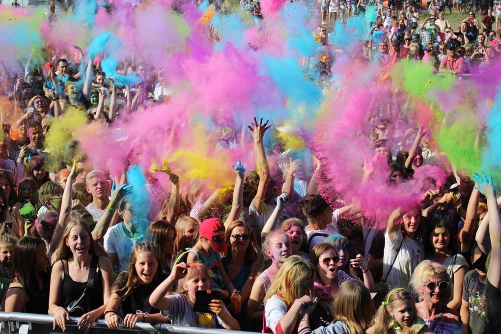 Dni Rudy Śląskiej 2019: Kolorowy zawrót głowy w Bykowinie podczas Festiwalu Holi