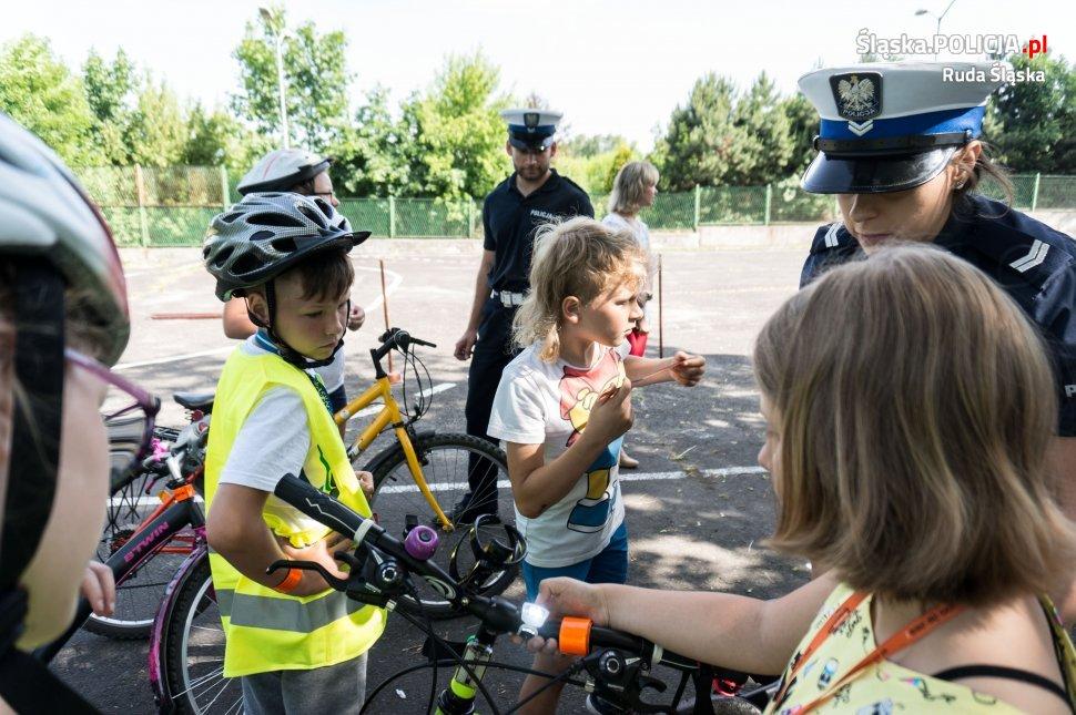 Uczniowie z SP nr 21 w Rudzie Śląskiej zdawali praktyczny egzamin na kartę rowerową