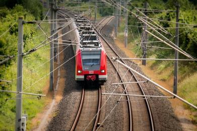 Dramat w pociągu: zgon, omdlenia i trwająca kilkanaście godzin podróż