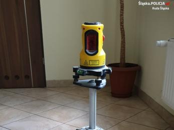 Kryminalni szukają właściciela laserowej poziomicy znalezionej przy złodzieju