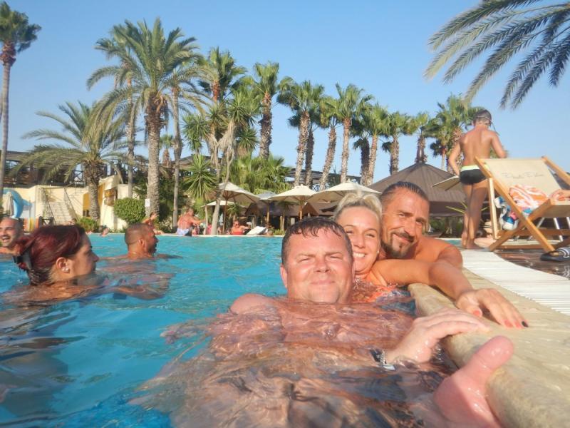 Wypad na zwariowane wakacje z przyjaciółmi (Maniek, Żania, Aga i Artis)