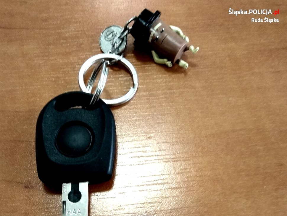Kto zgubił kluczyk z samochodu?