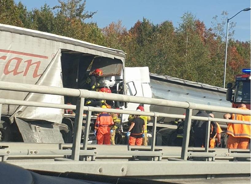 Na autostradzie A4, doszło do groźnego wypadku. Zderzyły się 2 TIR-y