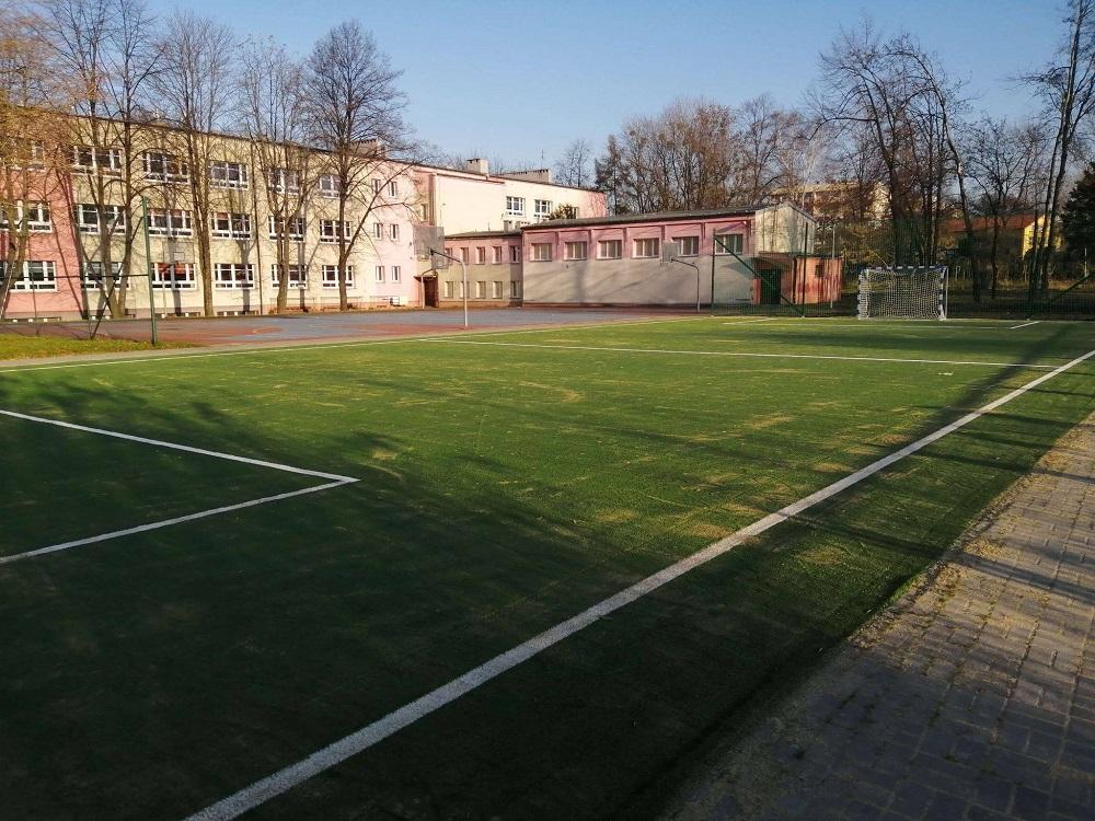 Budżet Obywatelski: Nowa nawierzchnia boiska przy Szkole Podstawowej nr 40 w Goduli