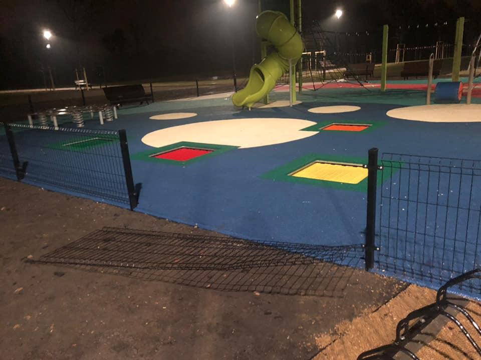 Doszło do dewastacji placu zabaw na terenie Orzegów Koksownia Park