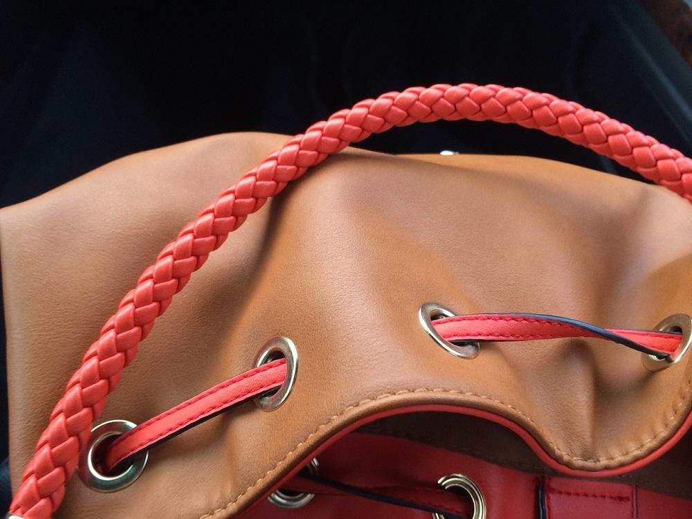 Kolejne włamanie do mieszkania. Rudzianka straciła torebkę z przedpokoju...
