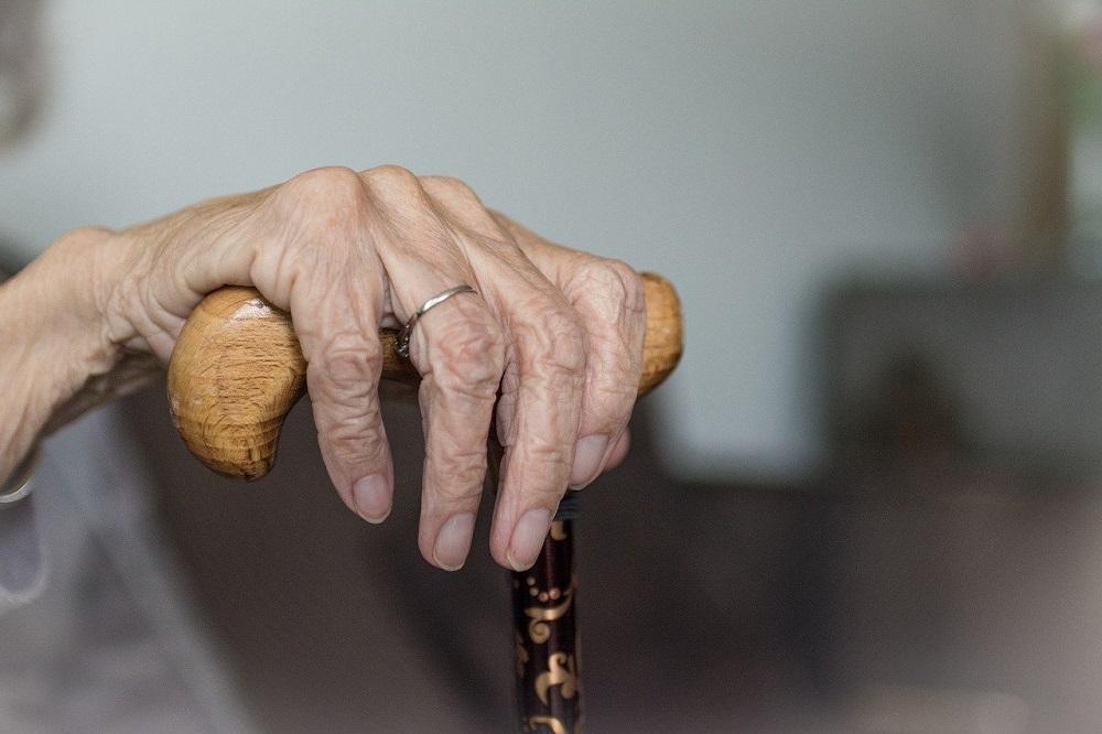 Rodzinny koszmar. Wyrodny syn znęcał się nad schorowaną 87-letnią matką!