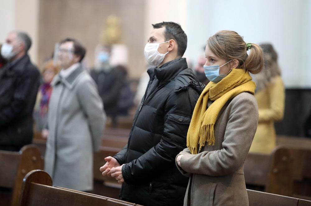 Metropolita katowicki abp Wiktor Skworc odwołał dyspensę spowodowaną koronawirusem