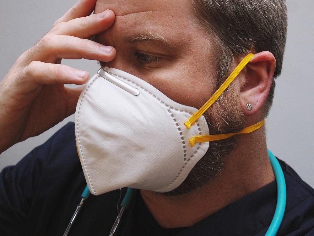 Ekspert: trzy mechanizmy różnicują ludzi w odpowiedzi na chorobę COVID-19