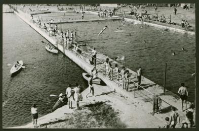Kiedyś w niemal każdej dzielnicy działał basen letni. Pamiętacie je jeszcze?