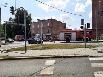 Groźny wypadek w Rudzie Śląskiej. Motocyklista został przetransportowany do szpitala