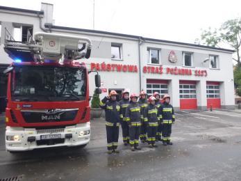 W 77. rocznicę wybuchu Powstania Warszawskiego rudzcy strażacy oddali hołd Powstańcom