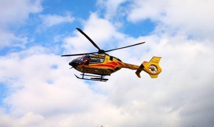 Ruda Śląska: Starszy mężczyzna spadł z dachu. Na miejscu lądował śmigłowiec LPR