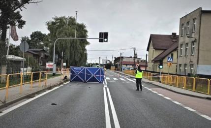 Policja zatrzymała poszukiwanego kierowcę skody. W wypadku zginęła 41-letnia rudzianka