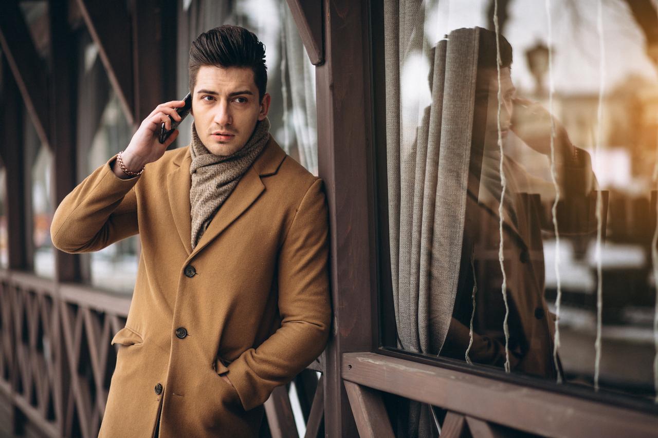 Eleganckie kurtki zimowe dla modnych mężczyzn - wskazówki stylistów