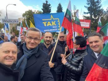 """Samorządowcy z całej Polski protestują przeciwko """"Polskiemu Ładowi"""". Rudzianie także"""