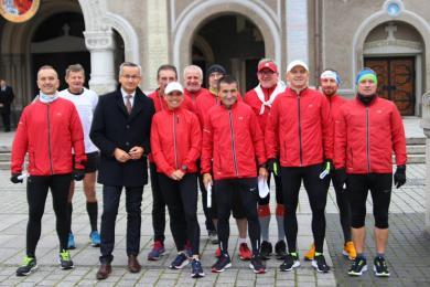 Wyruszyli na biegową pielgrzymkę do Wadowic. W dwa dni pokonają prawie 200 km