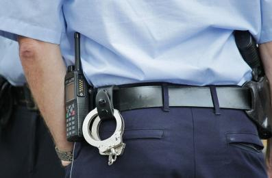 Ruda Śląska: Poszukiwany 16-latek ukrył się przed policjantami w tapczanie