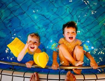 """A. Poloczek: """"Chcemy, aby wszystkie dzieci w mieście w wieku 10 lat - potrafiły pływać"""""""